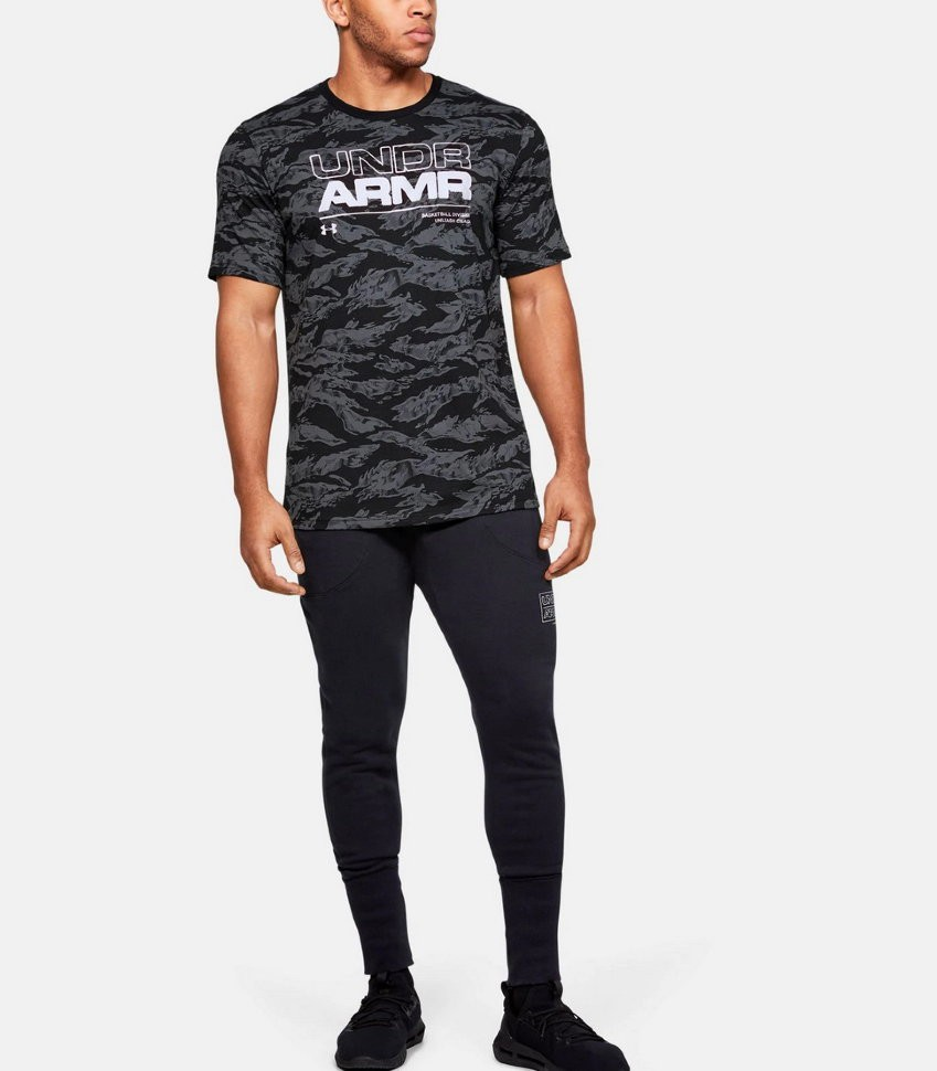 Футболка Under Armour BASELINE TEE- UA BASKETBALL 1351293-001 в Москве