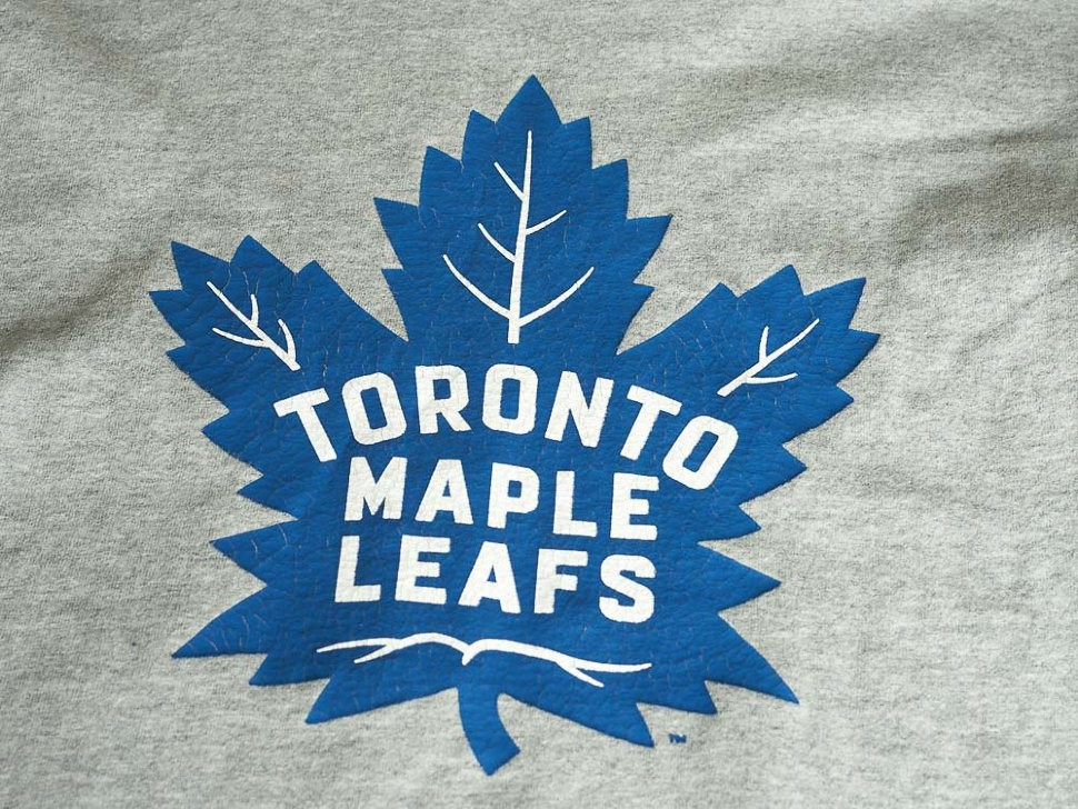 Футболка ATRIBUTIKA & CLUB Toronto Maple Leafs, сер. 30110 в Москве